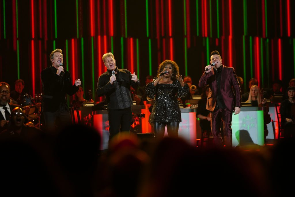 Rascal Flatts and CeCe Winans at CMA Country Christmas