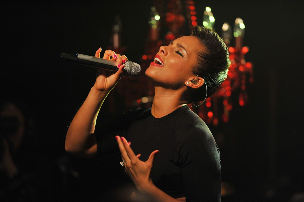 Alicia Keys, inspiration for a Six queen