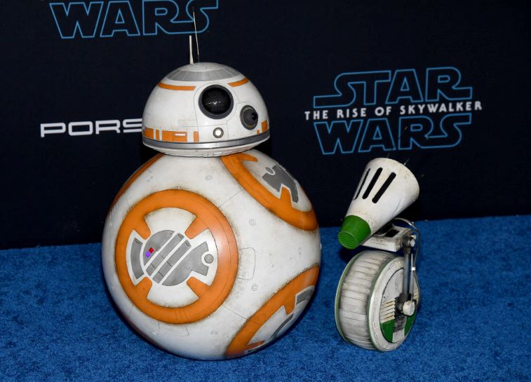 Droids BB-8 and D-O