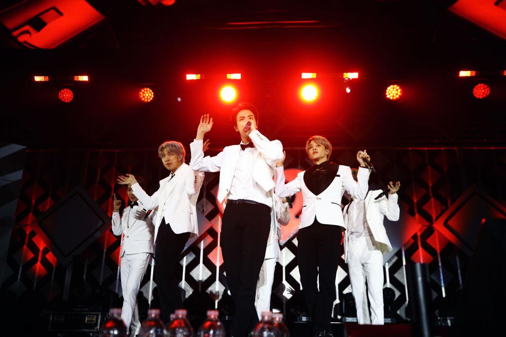 BTS Performing With Sarang at SBS Gayo Daejeon Has ARMY's Hearts Melting