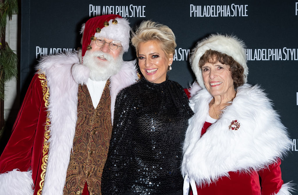 Santa Claus, Dorinda Medley of The Real Housewives of New York City and Mrs. Claus