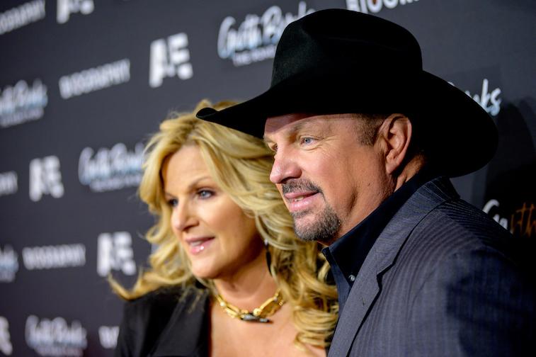 Trisha Yearwood and Garth Brooks on the red carpet