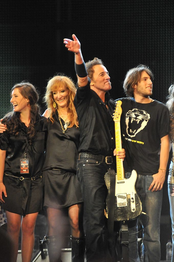 Left to right: Jessica Springsteen, Patti Scialfa, Bruce Springsteen, and Evan Springsteen