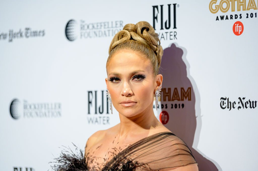 Jennifer Lopez fan urges passengers on flight to watch 'Hustlers'