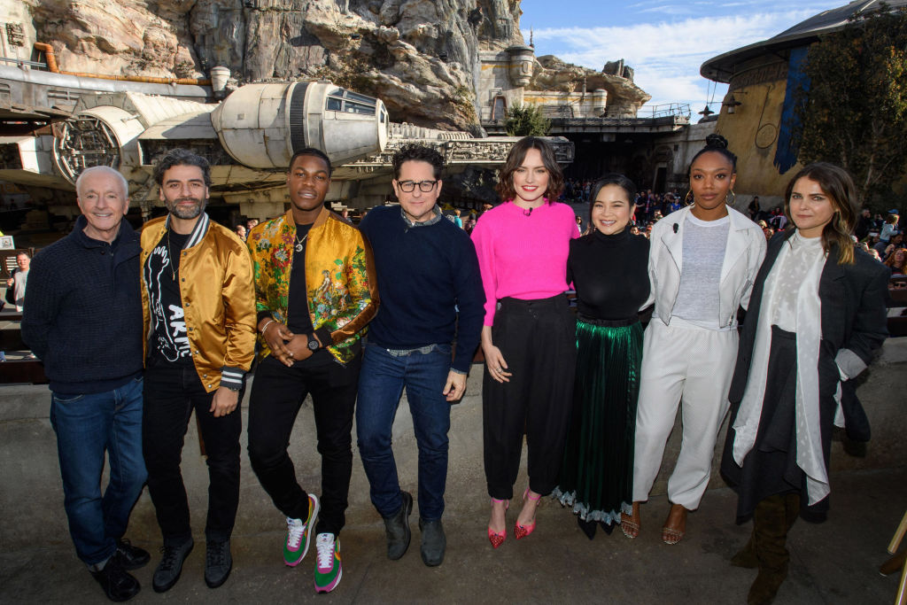 The Cast Of The Rise Of Skywalker Went On Star Wars Rise Of The Resistance In Disneyland And We Have Some Serious Fomo