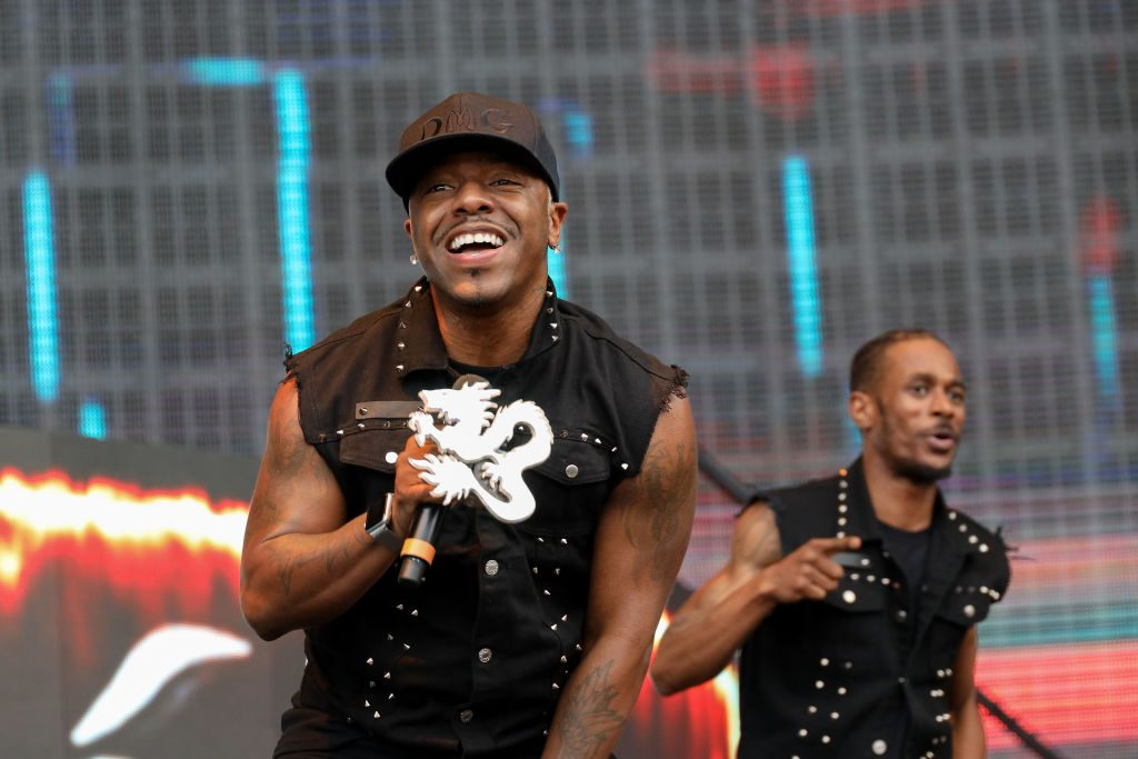 Sisqo performs on stage