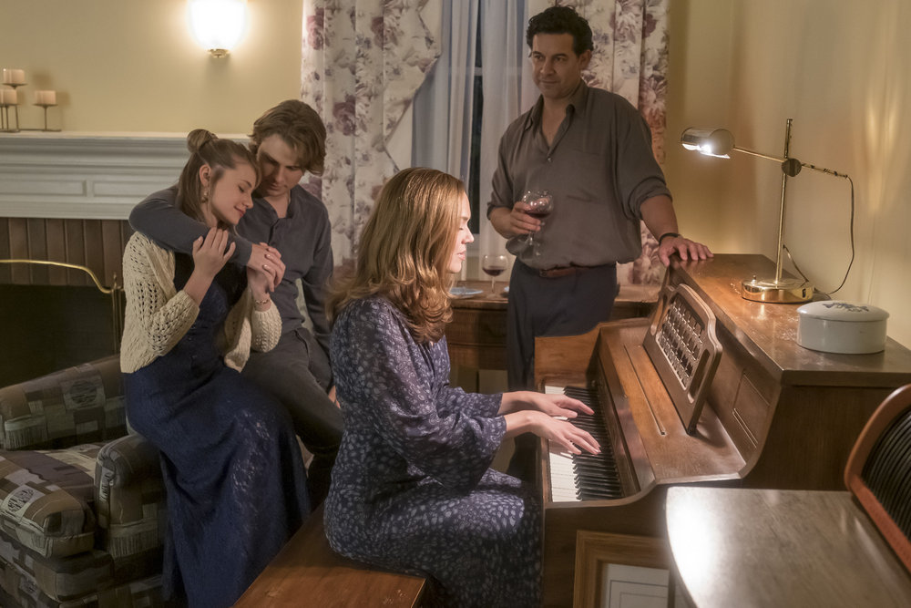 Amanda Leighton as Sophie, Logan Shroyer as Kevin, Jon Huertas as Miguel, Mandy Moore as Rebecca in 'This Is Us' Season 4