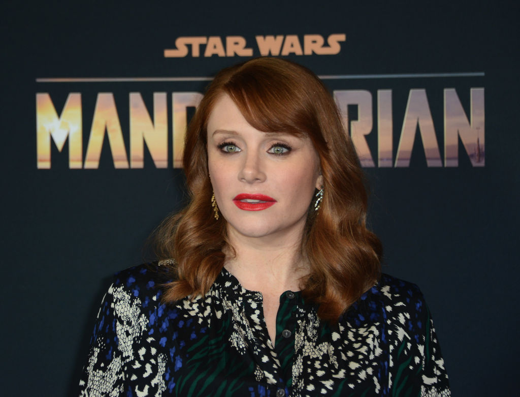 Bryce Dallas Howard poses at the premiere for 'The Mandalorian.' She directed Episode 4.