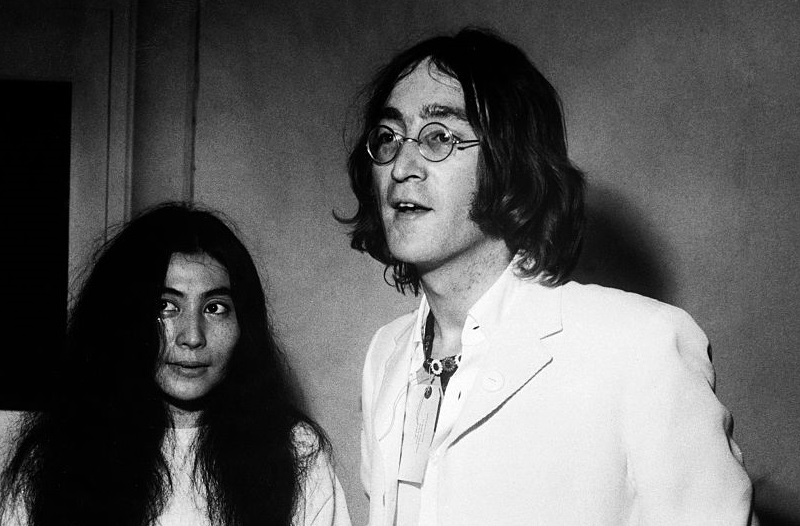 Yoko Ono pays tribute to John Lennon and protests gun violence