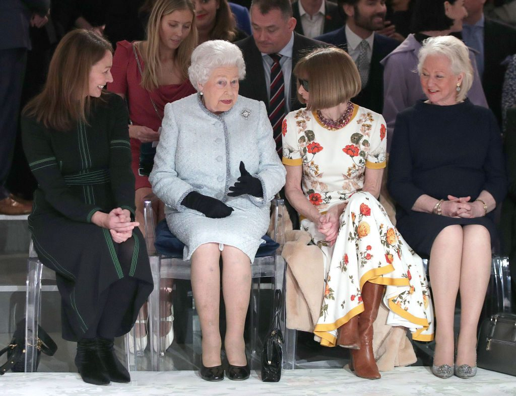 Queen Elizabeth II with Anna Wintour at a fashion show