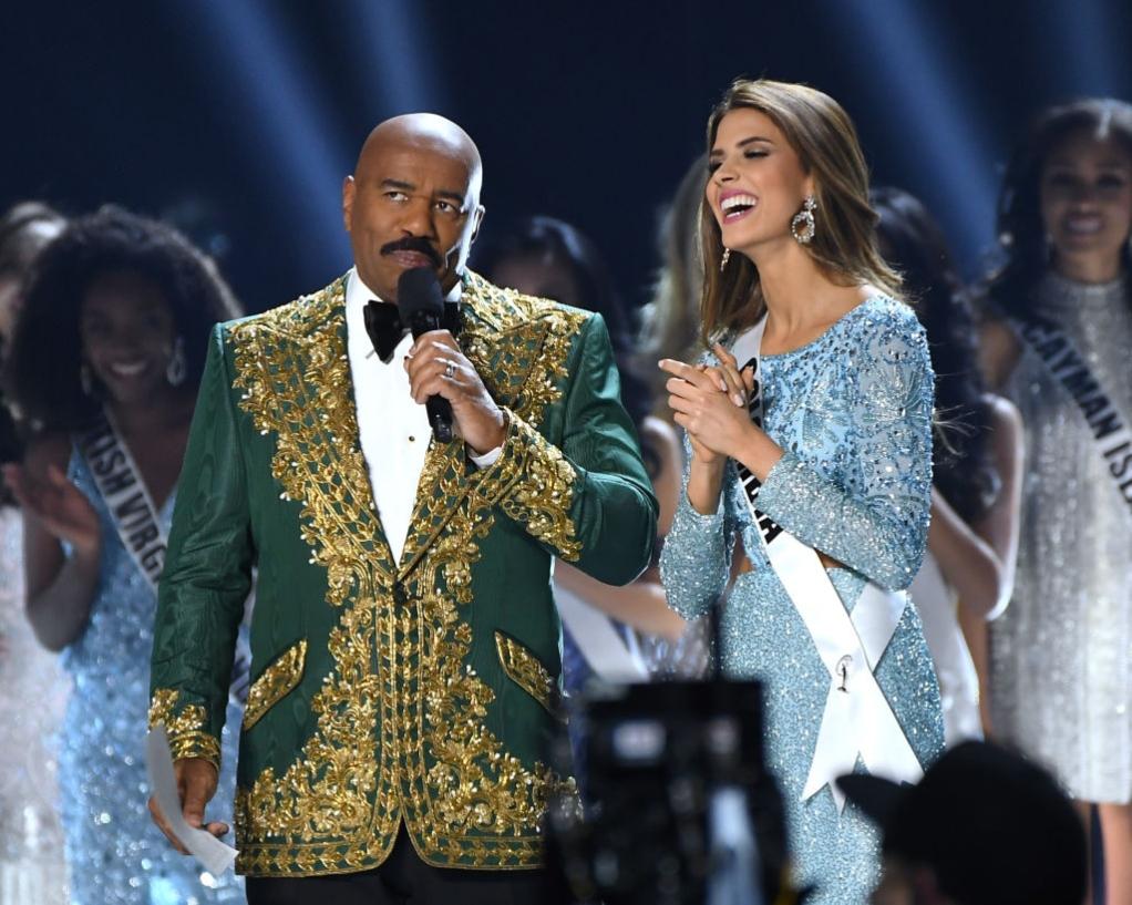 Steve Harvey and Miss Colombia, Gabriela Tafur
