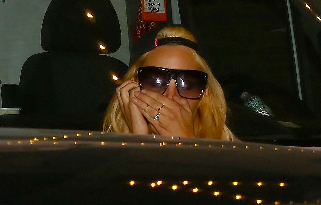 What Really Happened To Amanda Bynes This Is How Hollywood Ruined Her Life