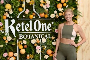 Amanda Kloots, Celebrity Trainer, Teams up With Popsugar for New Fitness Series