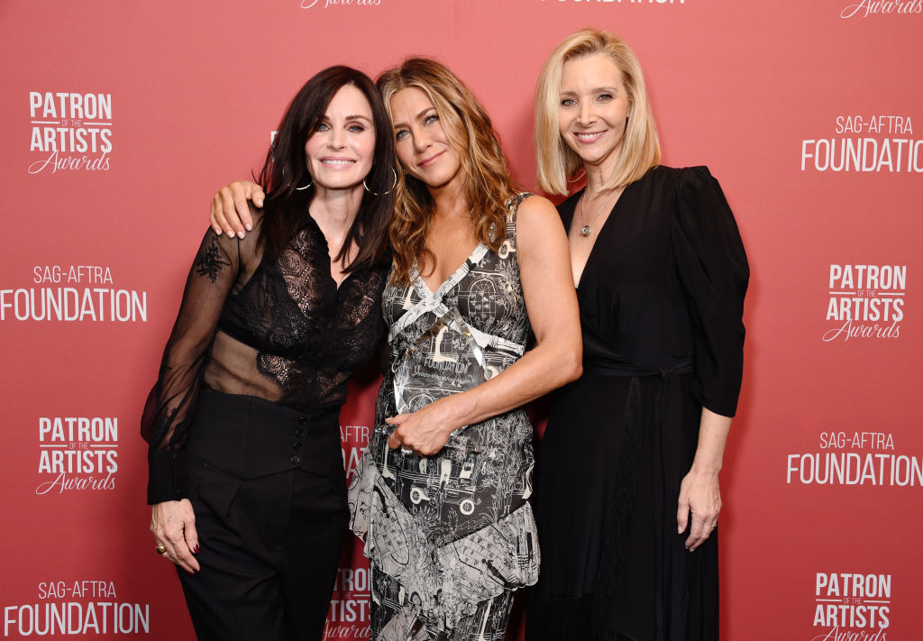 'Friends' stars Jennifer Aniston, Courteney Cox and Lisa Kudrow post reunion selfie
