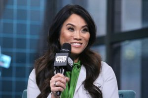 Dr. Pimple Popper: Is Sandra Lee a Real Doctor?