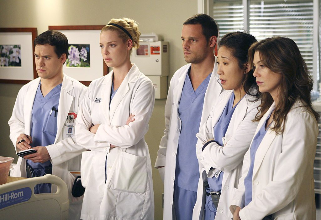 T.R. Knight, Katherine Heigl, Justin Chambers, Sandra Oh, and Ellen Pompeo as George O'Malley, Izzie Stevens, Alex Karev, Cristina Yang, and Meredith Grey on 'Grey's Anatomy'