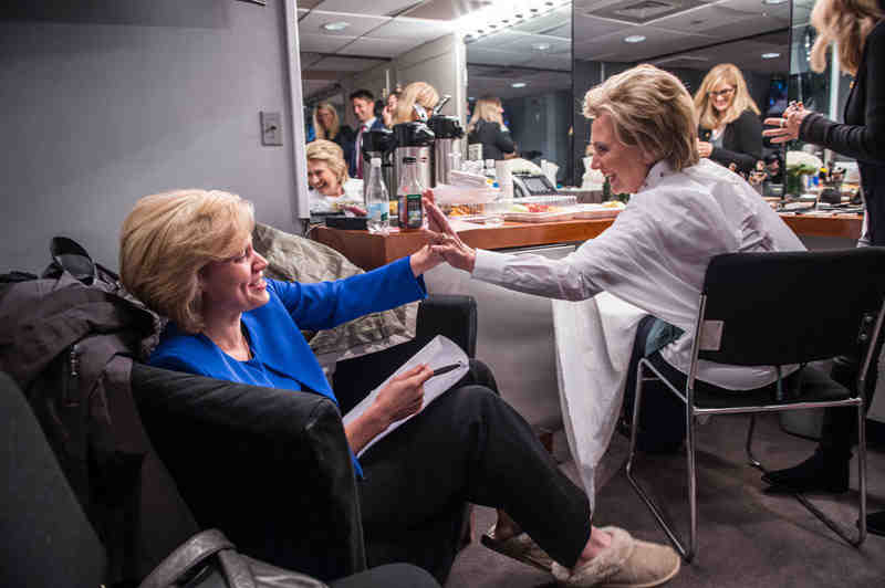 Hillary Clinton and Kate McKinnon