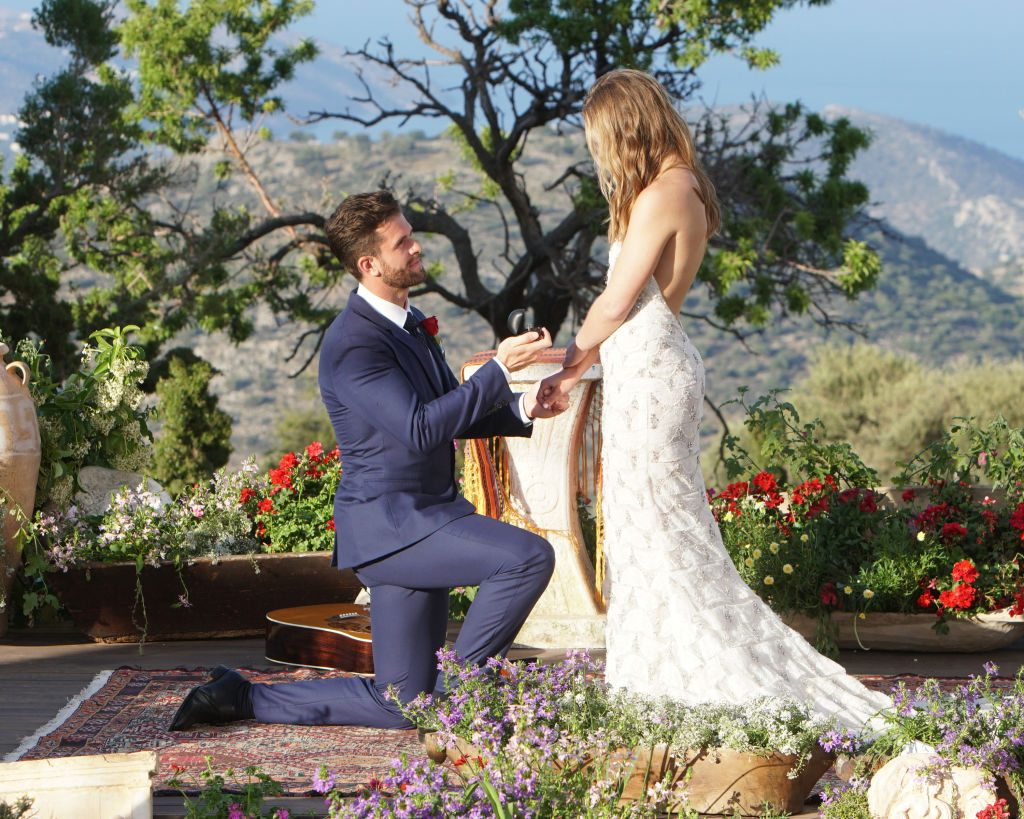 Jed Wyatt proposing to Hannah Brown on 'The Bachelorette'