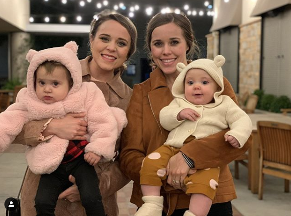 Jinger and Jessa with their daughters