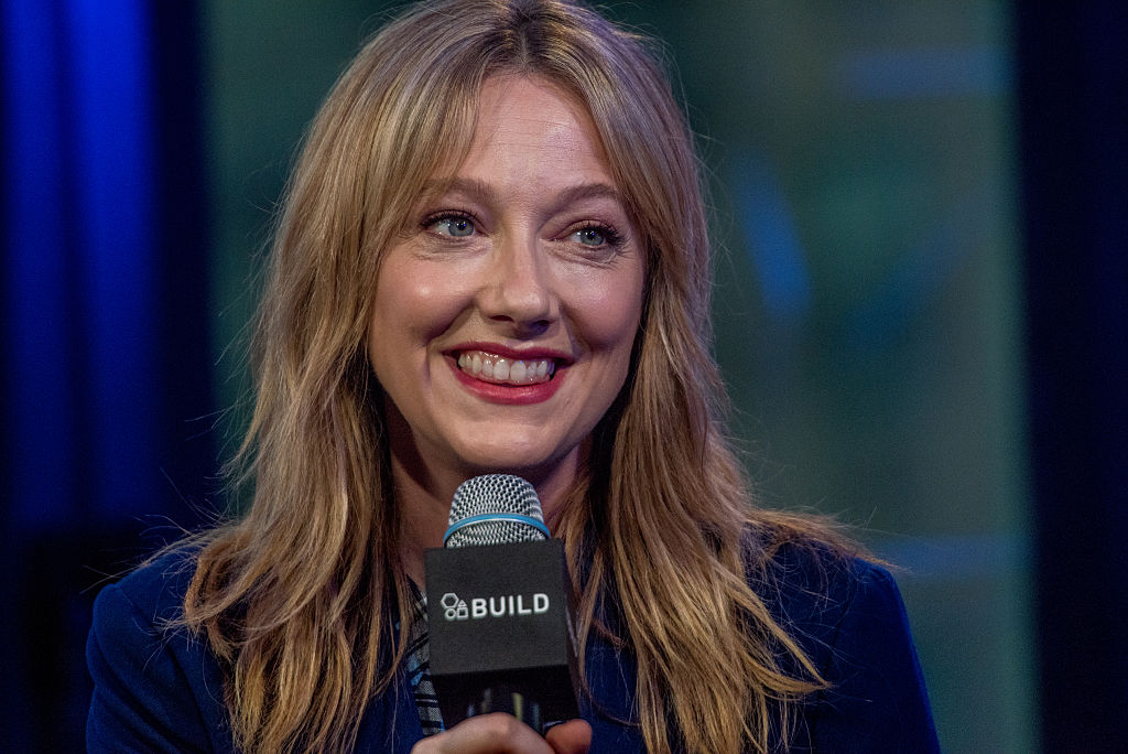 Judy Greer on the red carpet