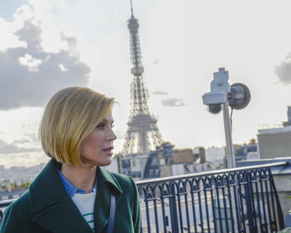 Julie Bowen in Paris