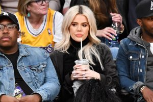 Kardashian Fans Can't Stop Cringing At Khloé
