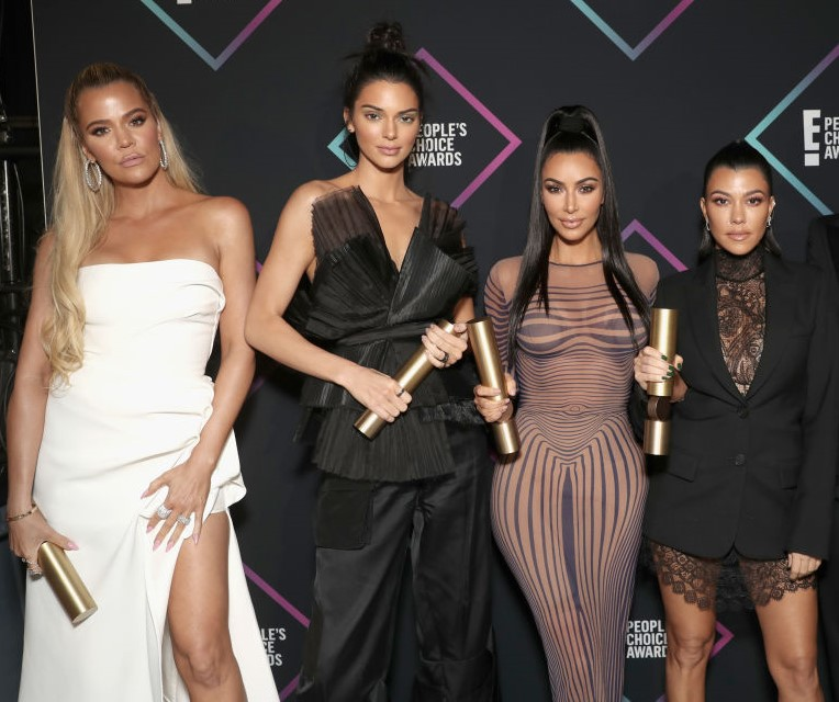 (L-R) Khloe Kardashian, Kendall Jenner, Kim Kardashian, and Kourtney Kardashian