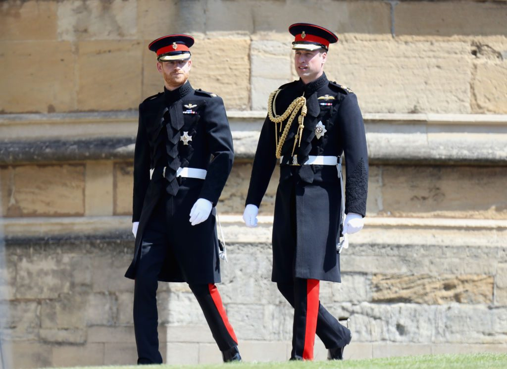 Prince Harry, Duke of Sussex (L) and Prince William, Duke of Cambridge arrive for the wedding ceremony of Prince Harry