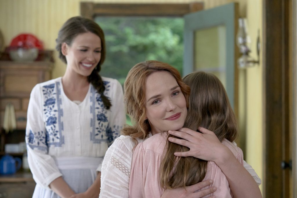 Grace and Lillian in When Hope Calls