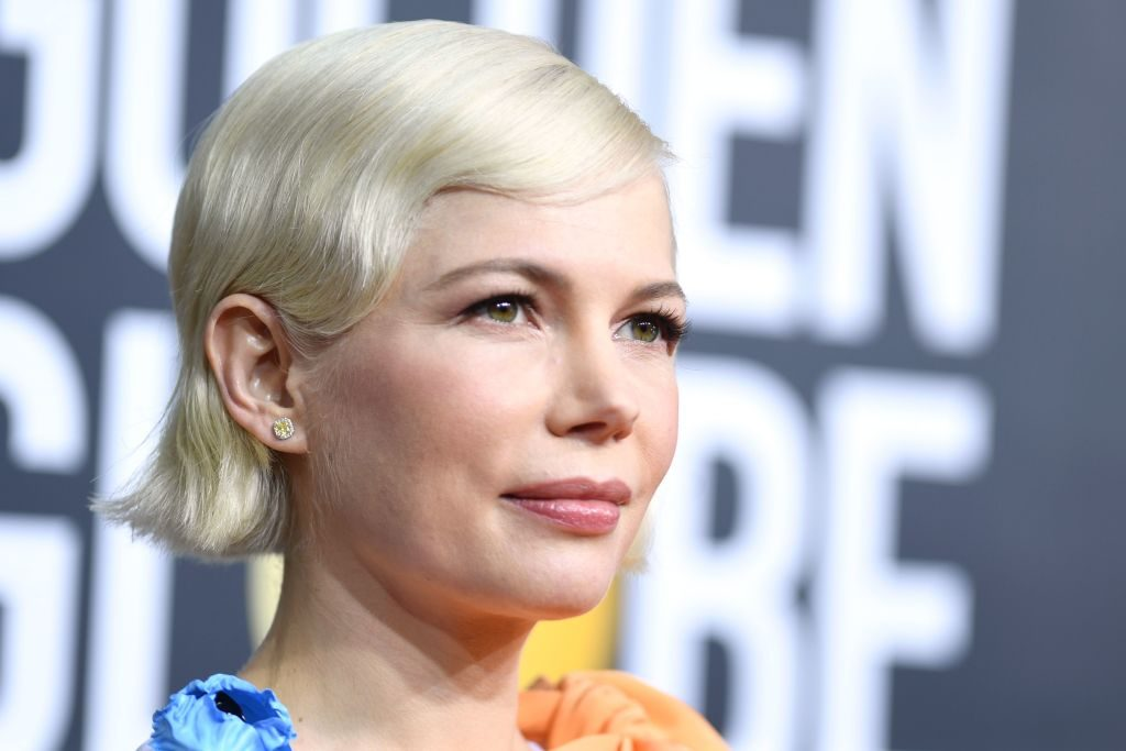 Michelle Williams arrives at the 2020 Golden Globes.