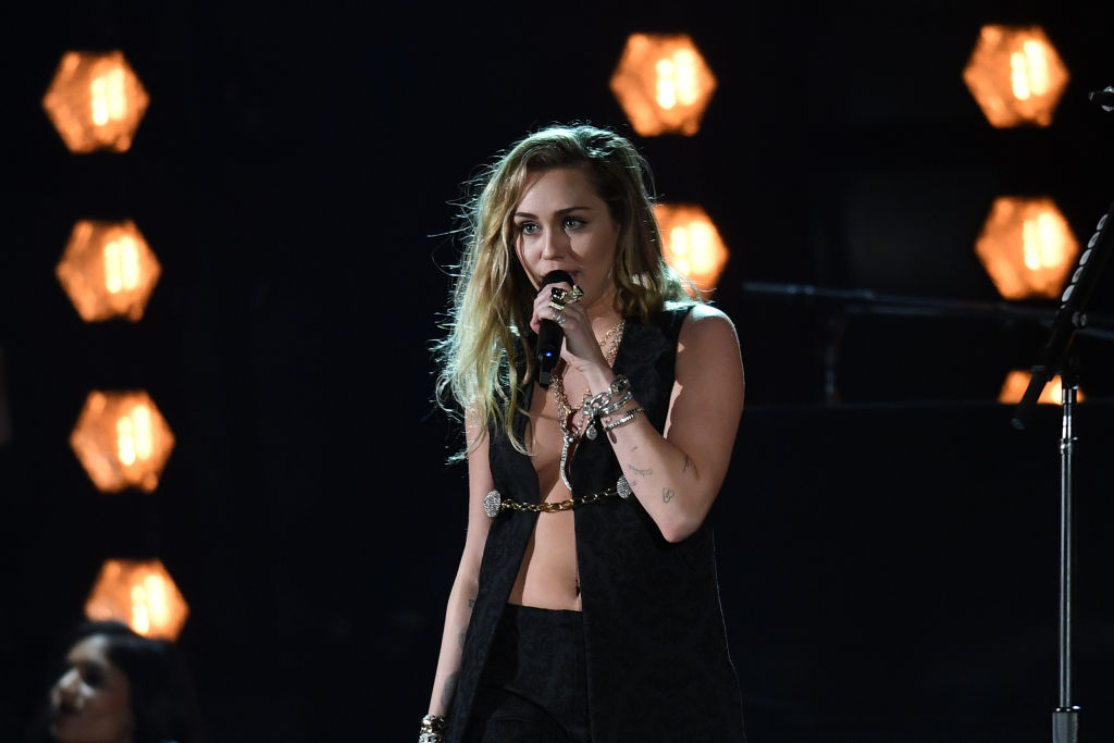 Why Wasn T Miley Cyrus At The 2020 Grammy Awards
