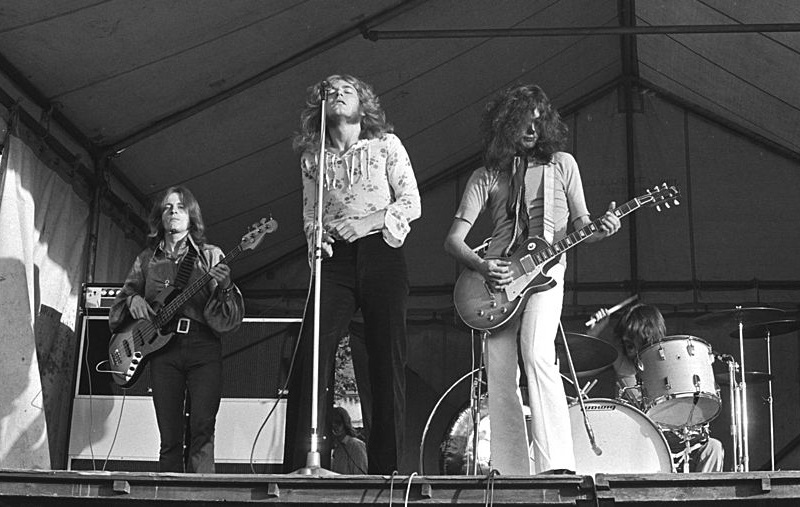 The Monster 'Led Zeppelin IV' Riff That Didn't Come From Jimmy Page