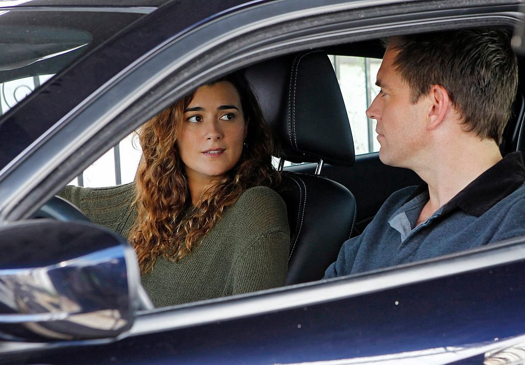 Cote de Pablo and Michael Weatherly on the set of NCIS | Cliff Lipson/CBS via Getty Images