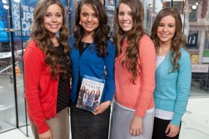 'Counting On': How the Duggar Girls Show Their Love While Sticking To Jim Bob's Courting Rules