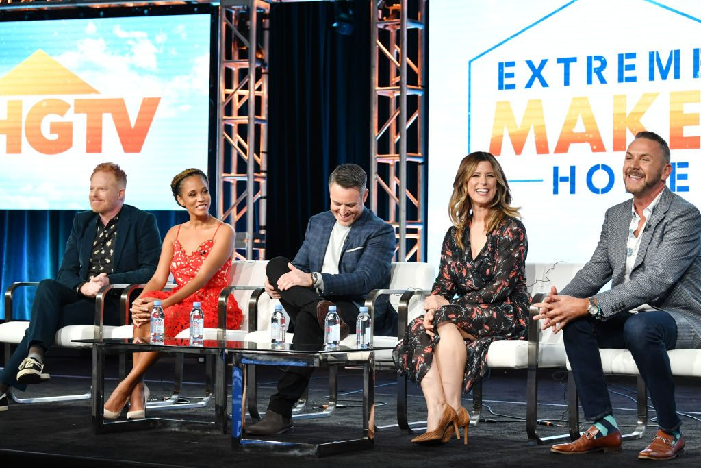 "Jesse Tyler Ferguson, Breegan Jane, Darren Keefe, Carrie Locklyn and Loren Ruch of ""Extreme Makeover: Home Edition"" 