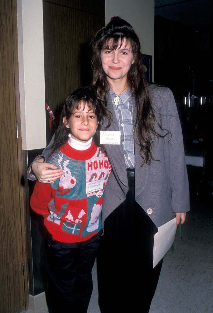 'General Hospital' stars Kimberly McCullough and Finola Hughes in 1988