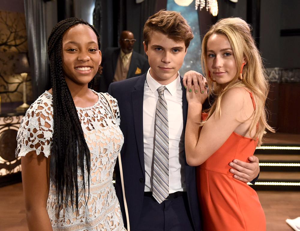 Sydney Mikayla (Trina), William Lipton (Cameron) and Eden McCoy (Josslyn) on the set of 'General Hospital'