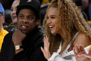 Football Fans and Critics Have Mixed Reactions To Beyoncé and Jay-Z Not Standing During The National Anthem At Super Bowl 54