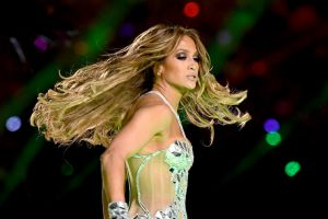 Why Jennifer Lopez's Super Bowl Makeup Took 10 Hours