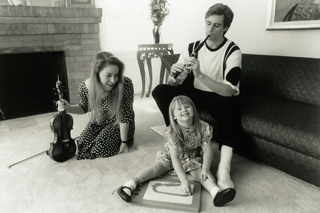 Jim Carrey with Melissa Womer and their daughter