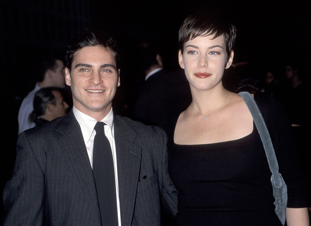 Joaquin Phoenix and Liv Tyler smiling
