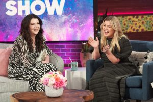 Kelly Clarkson Loves the Idea of a 'Gilmore Girls' Musical