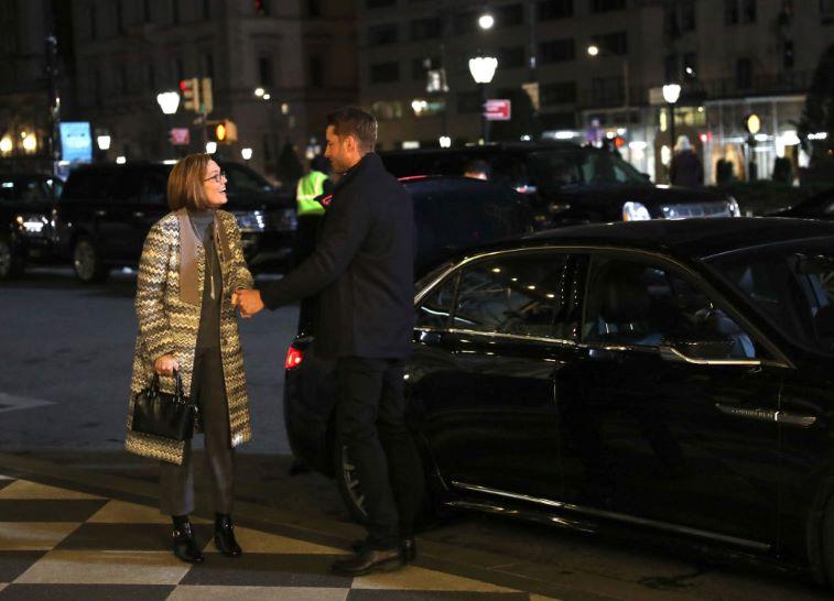 Mandy Moore and Justin Hartley