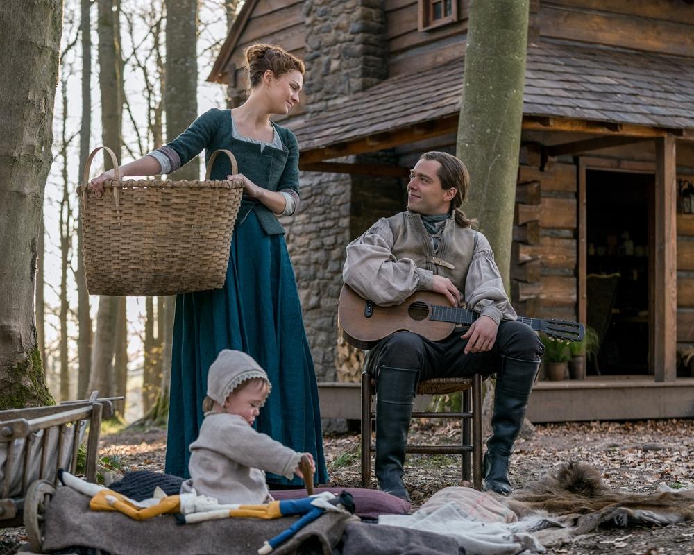 Outlander: Sophie Skelton and Richard Rankin