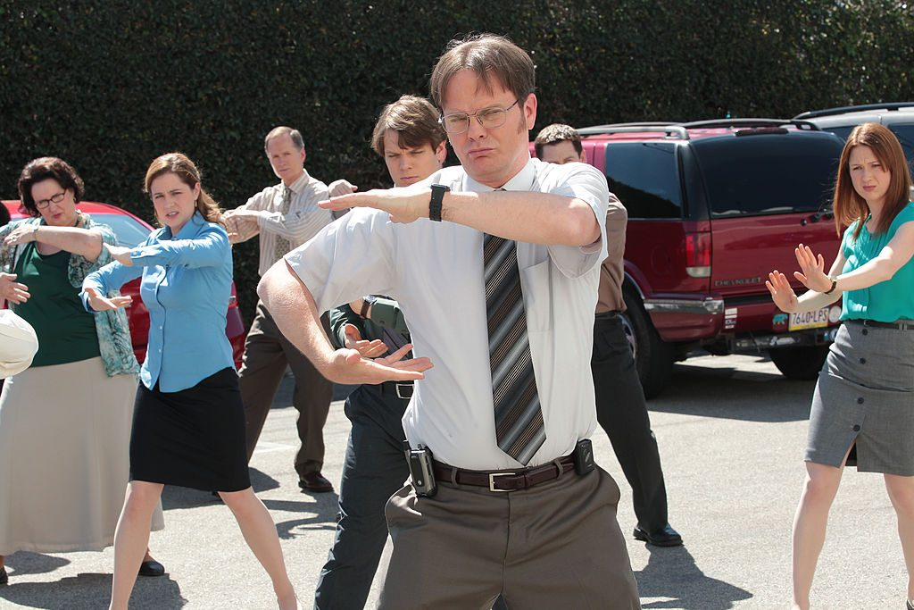 Phyllis Smith as Phyllis Vance, Jenna Fischer as Pam Beesly Halpert, Jake Lacy as Pete, Rainn Wilson as Dwight Schrute, Ellie Kemper as Erin Hannon on 'The Office'