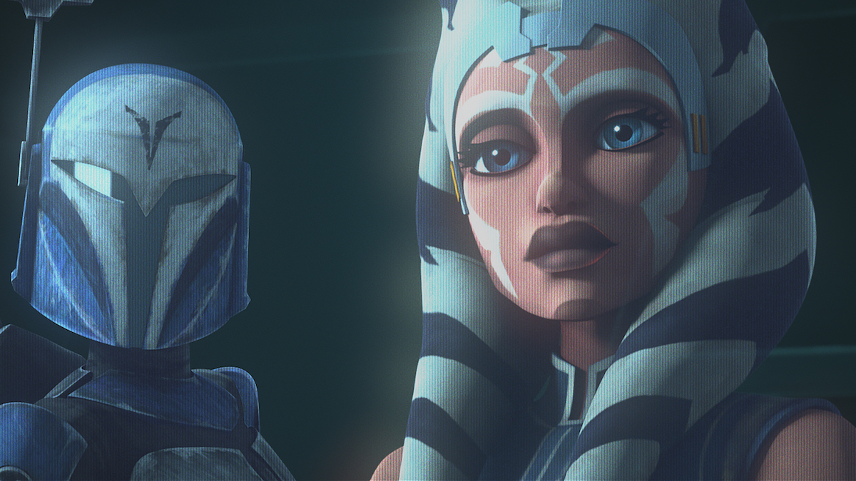 Bo-Katan and Ahsoka Tano in a hologram, contacting Obi-Wan Kenobi and Anakin Skywalker about Maul.
