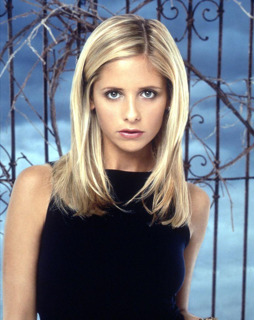 Sarah Michelle Gellar Stars In a 'Buffy The Vampire Slayer' promo shoot, 1999.