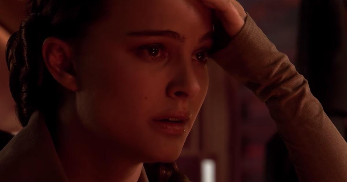 Padmé (Natalie Portman) pauses right before she disembarks her ship on Mustafar.
