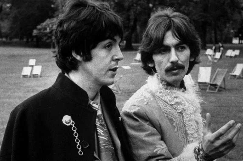 ¿Cuánto mide Paul McCartney? - Altura - Real height - Página 3 Paul-mccartney-george-harrison