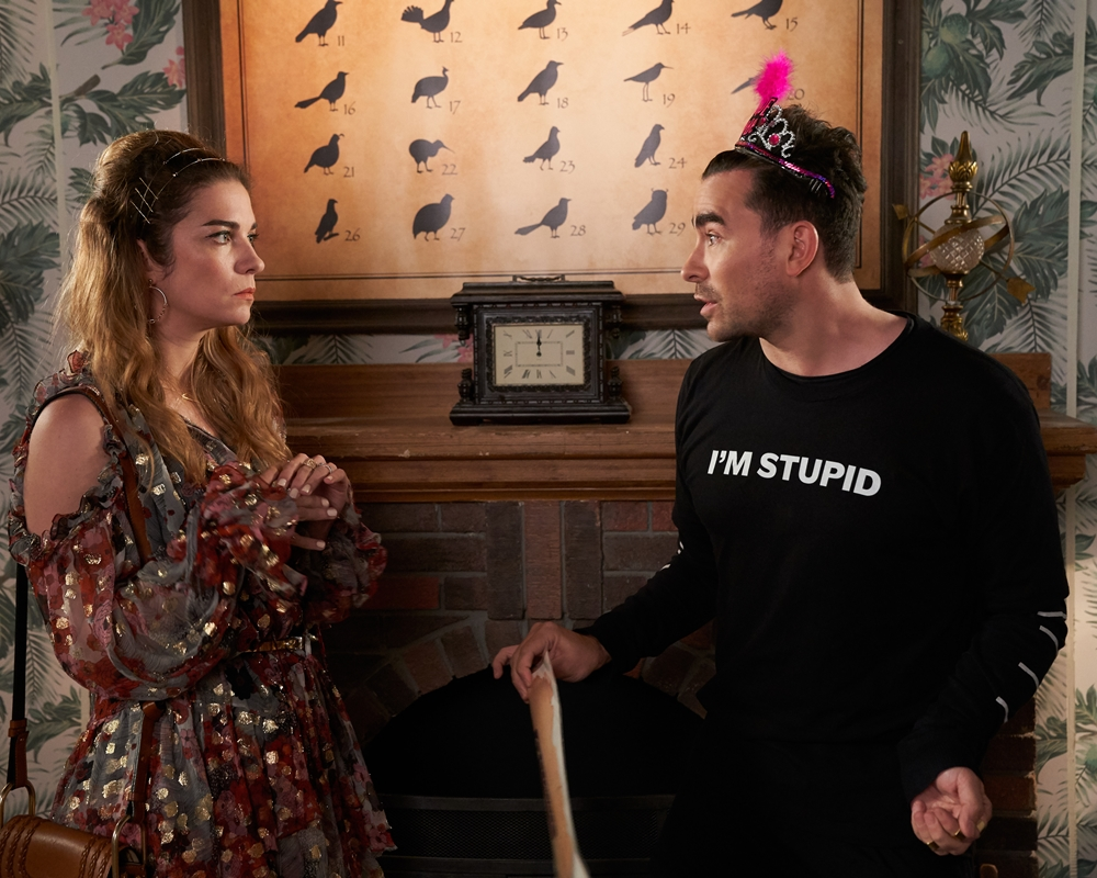 Annie Murphy and Dan Levy